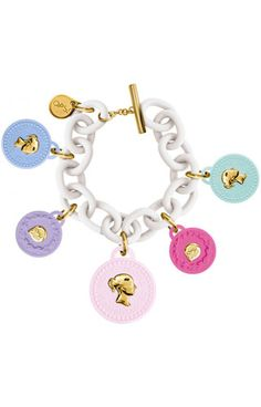 Trèsor Formentera White anallergic resin bracelet with soft-touch finish. Coloured polyurethane pendants with metal plated polycarbonate insets yellow gold colour. Steel tag inset with logo and yellow gold IP finish. Gold Colour, Color, Resin Bracelet, Spring Summer 2018, Leather Bags, Special Gifts, Crochet Earrings, Objects, Pendants