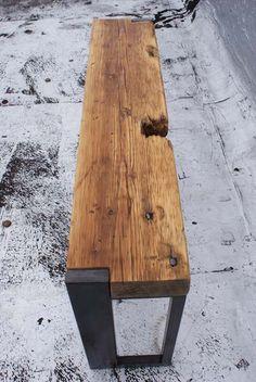 Banco em madeira reciclada e pés em ferro Fabricado no Brasil por…