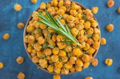 These Roasted Parmesan Herb Chickpeas are a healthy way to satisfy those snack cravings!
