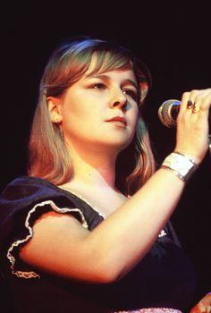 Nights At The Roundtable - Sandy Denny And Fotheringay In Session 1970 | Newstalgia
