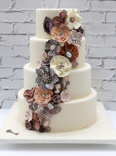 Wedding Cake with Steampunk flare. ... If I ever get married this will just have to be my cake! #floralweddingcakes