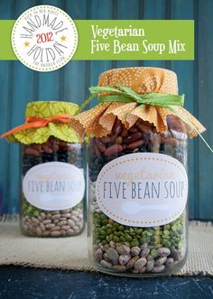 Vegetarian 5 Bean Soup Mix: great recipe for yourself that is delicious and easy to make, but also, this sure would be a cute Valentines Day Gift to give to neighbors or the kids' teachers!