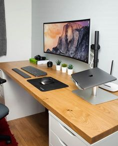 Home Office Setup, Guest Room Office, Home Office Space, Home Office Design, House Design, Computer Desk Setup, Gaming Room Setup, Pc Setup, Desktop Design