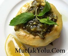 ** Roman Style Artichoke Recipe ** Love to eat but steep .- ** Roman Style Artichoke Recipe ** For those who love to eat but want to pay attention to a healthy, nutritious and delicious recipe www. Italian Chicken Dishes, Artichoke Recipes, Roman Fashion, Baked Chicken Recipes, Italian Recipes, Italian Foods, Baked Potato, Salsa, Veggies