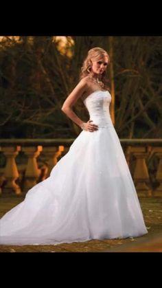 Essence of Australia Wedding Dress D584 in br - 1 £150