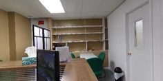 360 Virtual Tour: - Office and Waiting room