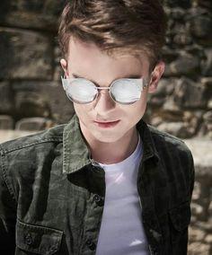 Cat Eye Sunglasses, Round Sunglasses, Mirrored Sunglasses, Mens Sunglasses, Pewdiepie, Youtubers, Instagram Posts, Fashion, Moda