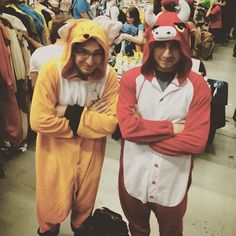 Caught the Japanese Red Fox & Red Bull 2015 at the Palais Des Congres. Halloween Costumes For Kids, Costumes For Women, Onesie Costumes, Pokemon Costumes, Unicorn Costume, Superhero Movies, Red Fox, Red Bull, Montreal