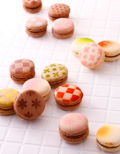 Patterned macarons