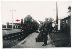 Foto Bahnhof Argentan Frankreich Dampflok Eisenbahn Wehrmacht Soldaten Frontzug in Sammeln & Seltenes, Militaria, 1918-1945 | eBay