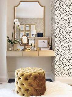 That floating shelf AND tufted seat AND the wallpaper, mmmkay