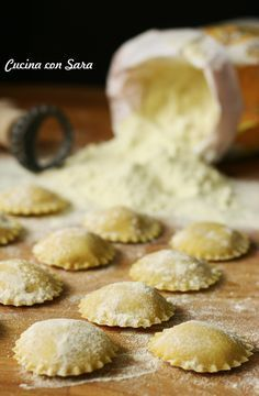 Discover recipes, home ideas, style inspiration and other ideas to try. Ravioli Dough Recipe, Gourmet Recipes, Sweet Recipes, Gnocchi Pasta, Homemade Ravioli, Best Italian Recipes, Pasta Maker, Tortellini, Crepes
