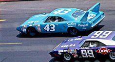 Best classic cars and more! Dodge Daytona, Dodge Charger Daytona, Nascar Race Cars, Sport Cars, Richard Petty, King Richard, Real Racing, Auto Racing, Plymouth Superbird