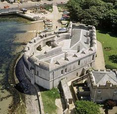 Portland Castle, Dorset - Another castle built by King Henry VIII in 1539 also known as Henrician Castles to guard the natural Portland anchorage. Castle Ruins, Medieval Castle, Palaces, Castles In England, English Castles, English Heritage, Old Buildings, Historic Homes, Dorset England