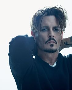 Shared by ♡ N ι c σ ℓ є ♡. Find images and videos about celebrity and johnny depp on We Heart It - the app to get lost i Young Johnny Depp, Here's Johnny, Johnny Depp Beard, Johnny Depp Wallpaper, Junger Johnny Depp, Johnny Depp Pictures, Johnny Depp Images, Beat Generation, Fangirl