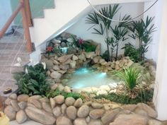 Give a magical touch to your garden with these 16 ideas of fountains and ponds. They are unique and very original! - Home Decor Trends DIY Home Garden Design, Backyard Garden Design, Interior Garden, Home Room Design, Small Garden Under Stairs, Design Fonte, Small Garden Landscape, Indoor Water Fountains, Stone Planters