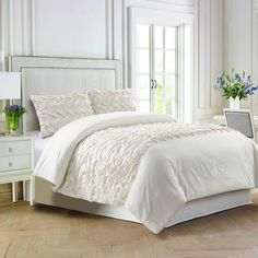 Find the perfect bedding for your room, from comforters to quilts. Explore and purchase other Comforters & Comforter Sets at your local At Home store. Full Comforter Sets, Comforter Cover, Bedding Sets, Window Bed, King Pillows, Affordable Bedding, Dream Decor, Comforters, Bedroom Decor