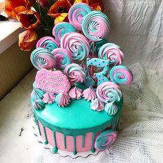 Я потеряла флешку от фотоаппарата😩😩😩 уже неделю не снимаю свои тортики((( Пусть будет #айфонфото пока...