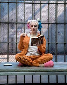 "Margot Robbie as Harley Quinn in Suicide Squad"" Joker Y Harley Quinn, Harley Quinn Drawing, Margot Robbie Harley Quinn, Harley Quinn Cosplay, Harely Quinn And Joker, Hearly Quinn, Der Joker, Mode Kawaii, Joker Wallpapers"