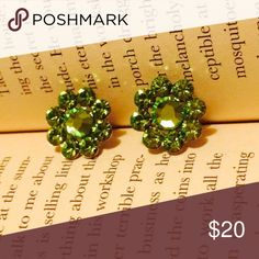 Green Crystal flower earrings Green Crystal earrings. Gently work and in perfect condition! Tarina Tarantino Jewelry Earrings