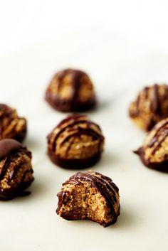 Un postre saludable: Trufas de semillas con cobertura de chocolate ¡No se hornean!