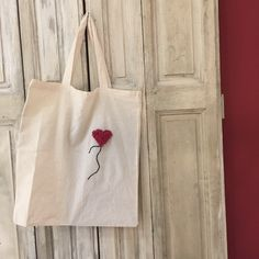 Mon tote-bag customisé avec le punch needle ! - Fiche DIY Deco Zôdio Punch Needle, Creations, Reusable Tote Bags, Crafts, Couture, Xmas, Embroidery Ideas, Index Cards, Manualidades