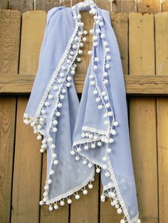 DIY pom pom scarf