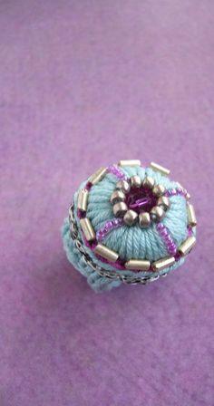 Häkelring Crochet Ring Baumwoll Ring Geschenk für Frau | Etsy Crochet Rings, Swarovski Pearls, Seed Beads, Aqua, Fancy, Etsy, Jewellery, Inspiration, Strands