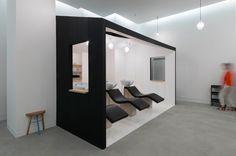 Un salon de coiffure moderne et épuré à Marseille - Propos deco ...