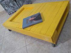 Mesa 0,60 x 1,20 com rodinhas - Amarela