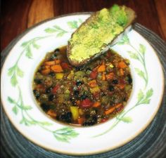 100% PLANT STRONG RELUCTANT VEGAN (AND OIL FREE) : Lentil Soup with Crusty Garlic Avocado Bread