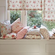 I know Cath Kidston is British but the floral print reminds me of French interiors, love these pillow cases - floral interior style