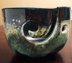 Knitting bowl Crocheting bowl Yarn Bowl Ceramic green by DabaDos