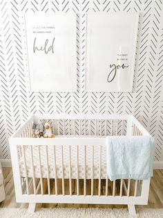 Text Prints Above Crib in Black and White Nursery - Of all the things my hands have held the best by far is you White Baby Cribs, Best Baby Cribs, Best Crib, Nursery Design, Nursery Wall Decor, Nursery Room, Girl Nursery, Girl Room, Bedroom