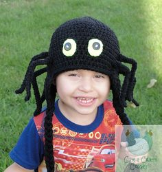 Creepy Carl Spider Beanie with pose able legs pattern by Martina Gardner Crochet For Boys, Easy Crochet, Knit Crochet, Crochet Hats, Crochet Children, Halloween Crochet, Halloween Crafts, Halloween Costumes, Half Double Crochet