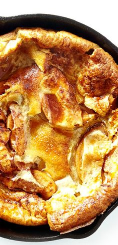 Baby Apple Dutch baby recipe: like a gigantic, fluffy pancake.Apple Dutch baby recipe: like a gigantic, fluffy pancake. Dutch Pancakes, Baby Pancakes, Dutch Baby Pancake, Pancakes And Waffles, Breakfast Items, Breakfast Cake, Breakfast Dishes, Breakfast Recipes, Mexican Breakfast