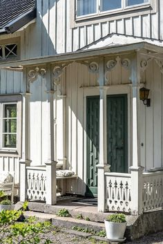 Veranda, snickarglädje Swedish Farmhouse, Swedish Cottage, Swedish House, Farmhouse Decor, Scandinavian Cottage, Farmhouse Architecture, Side Porch, Outdoor Pergola, Cabins And Cottages
