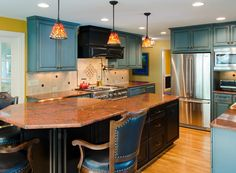 25 Stunning Kitchens with Tiffany Lamps