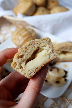 Banánové muffiny plnené vanilkovým pudingom Krispie Treats, Rice Krispies, Pavlova, Bread, Cooking, Recipes, Kitchen, Brot, Recipies