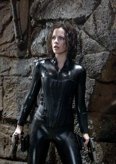 This hot outfit really fits Selene