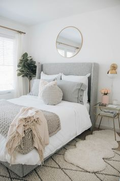 One of the most popular posts from 2018 - who would have known our small guest bedroom would be such a hit. This bed was also a fan… Guest Bedroom Decor, Room Ideas Bedroom, Guest Bedrooms, Home Bedroom, Adult Bedroom Decor, Guest Room, Black Bedroom Decor, Classic Bedroom Decor, Grey Bedroom Design