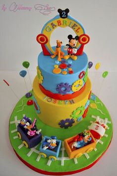 Mickey Mouse Clubhouse Cake - cake by Mommy Sue - CakesDecor Minni Mouse Cake, Mickey Mouse Clubhouse Birthday Party, Mickey Mouse Parties, Mickey Mouse Birthday, Disney Parties, Pastel Mickey, Mickey And Minnie Cake, Mickey Cakes, Torta Minion