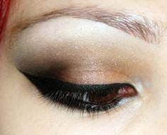 Neutral eye by Rachel Williams (RachWilliams90)