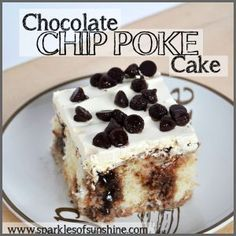 The delicious Chocolate Chip Poke Cake is easy to make, but packed with flavor! Check out this easy Chocolate Chip Poke Cake Recipe at Sparkles of Sunshine. Poke Cake Recipes, Poke Cakes, Vegetarian Chocolate, Delicious Chocolate, Healthy Fruit Cake, Lemon Ricotta Cookies, Hot Fudge, Homemade Cakes, Yummy Cakes