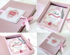 invitacion 15 años en caja Invitaciones en caja Box Invitations, Wedding Invitation Cards, Wedding Cards, Wedding Card Design, Quinceanera, Diy And Crafts, Wedding Inspiration, Gift Wrapping, Birthday