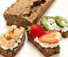 Zdravý chlebík z ktorého sa nebudete vedieť nabažiť ! Vynikajúci aj na slano aj na sladko. Low Carb Recipes, Vegan Recipes, Meatloaf, Avocado Toast, Great Recipes, Clean Eating, Paleo, Food And Drink, Health Fitness