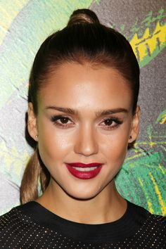 Jessica Alba  Versace for H Fashion Show and Party  Berry Lips