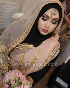 Latest Bridal Hijab Styles Dresses Designs Collection consists of Asian, desi fashion & Arabic fancy hijab dresses, gowns and frocks, maxis, etc Bridal Hijab Styles, Muslim Brides, Wedding Hijab, Pakistani Wedding Dresses, Pakistani Bridal, Bridal Dresses, Indian Bridal, Muslim Couples, Dress Wedding