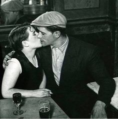 Il primo bacio lo si dà con gli occhi