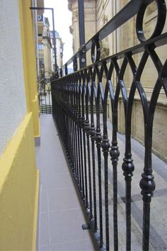 Exterior Stair Railing, Balcony Railing Design, Iron Forge, Black Railing, Residential Building Design, Balcony Grill, Rooftop, Fence, Interior Design